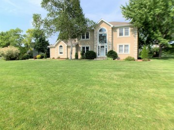 W161N10534 Brook Hollow Dr, Germantown, WI 53022