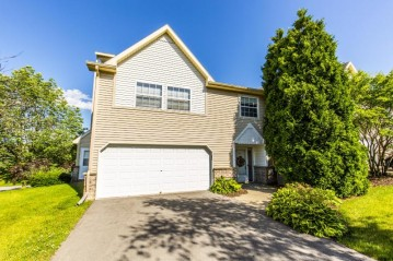 370 Dustin Dr 5, Brookfield, WI 53045-3586