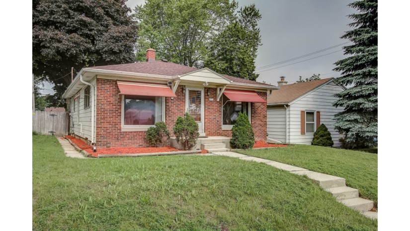 3773 N 57th St Milwaukee, WI 53216-2840 by Shorewest Realtors $87,000