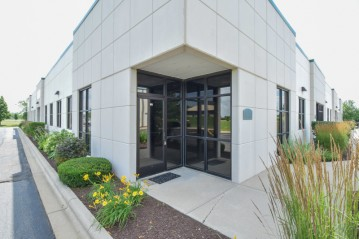 700 Veterans Pkwy 206, Lake Geneva, WI 53147-4621
