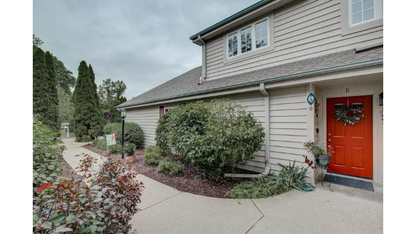 158 Westfield Way D Pewaukee, WI 53072-6544 by Realty Executives - Integrity $229,900