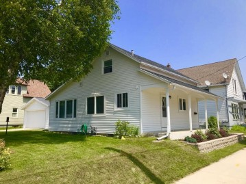 1520 21st St, Two Rivers, WI 54241