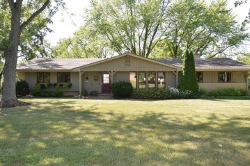 6228 Town Line Rd, Waterford, WI 53185-2606