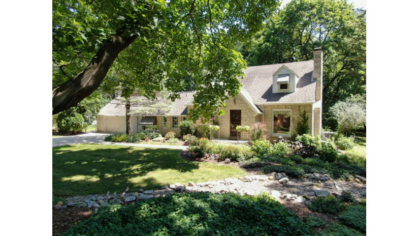 2340 N 131st St Brookfield, WI 53005-5213 by Shorewest Realtors $409,900