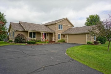 W361S2389 Scuppernong Dr, Ottawa, WI 53118-9681