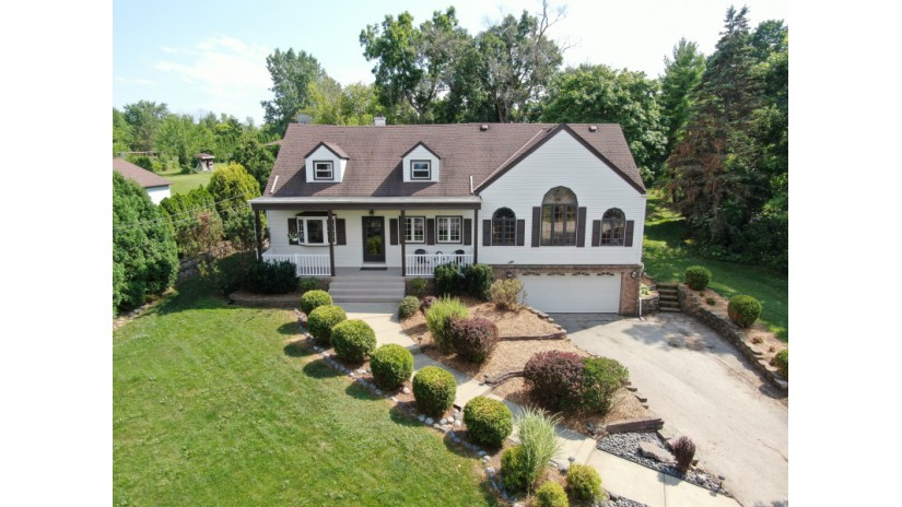 17135 W Lisbon Rd Brookfield, WI 53005-1395 by Shorewest Realtors $305,000