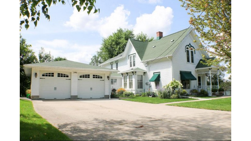 304 17th Ave S Bangor, WI 54614-8758 by Simonson Real Estate & Auction $259,900
