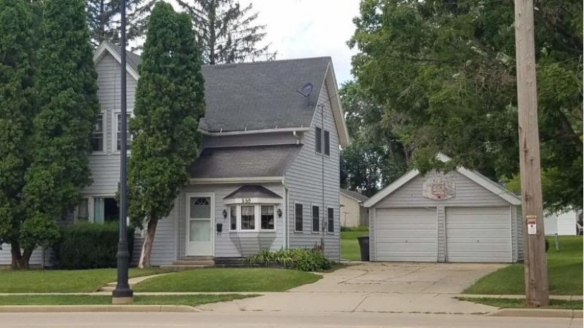 559 E Racine St Jefferson, WI 53549-2175 by RE/MAX Realty Center $124,900