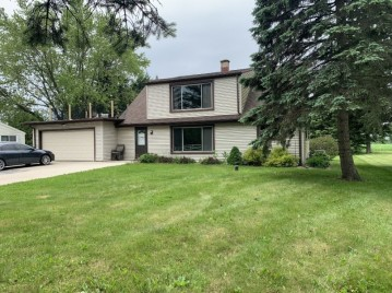 3643 Division Rd 3645, Jackson, WI 53037-9705