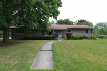 301 Franklin St, Waterford, WI 53185-4207