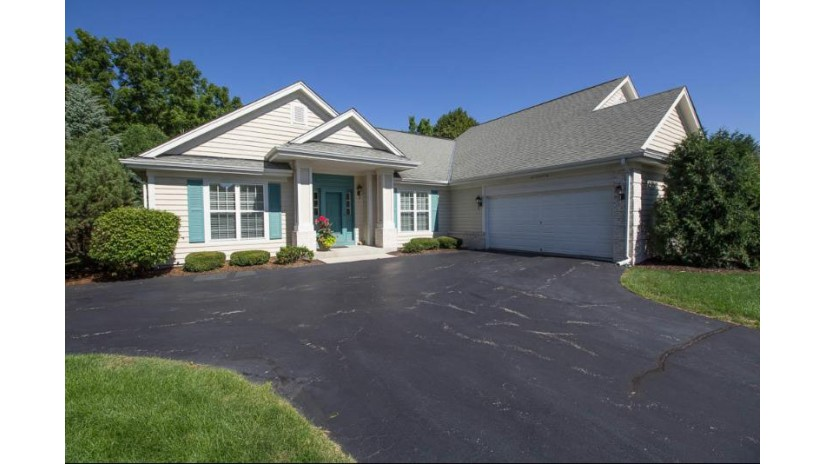 W233N3077 Oakmont Ct A Pewaukee, WI 53072-4021 by Redefined Realty Advisors LLC $354,900