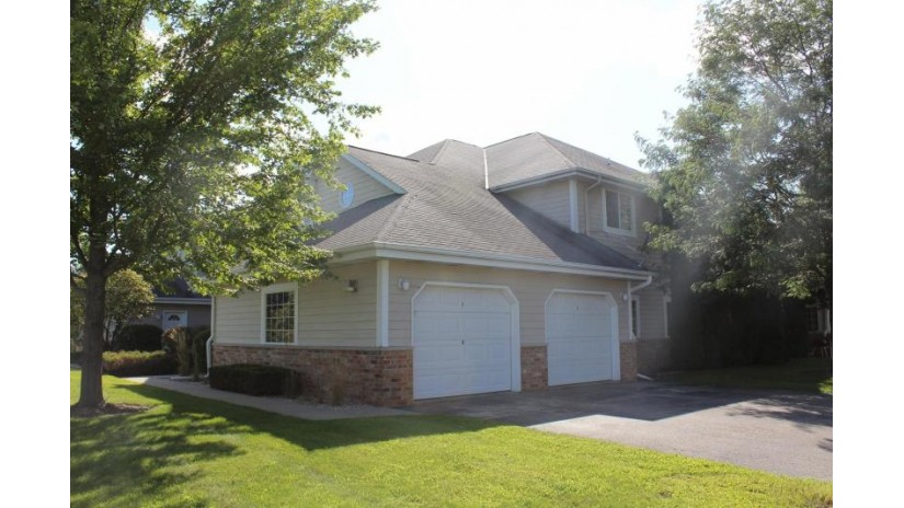 517 Lawson School Rd 8 Delavan, WI 53115-3188 by Keefe Real Estate, Inc. $115,000