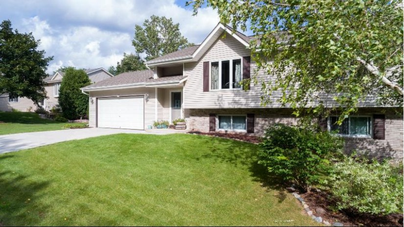 435 Idlewood Ave West Bend, WI 53095 by Leitner Properties $257,000