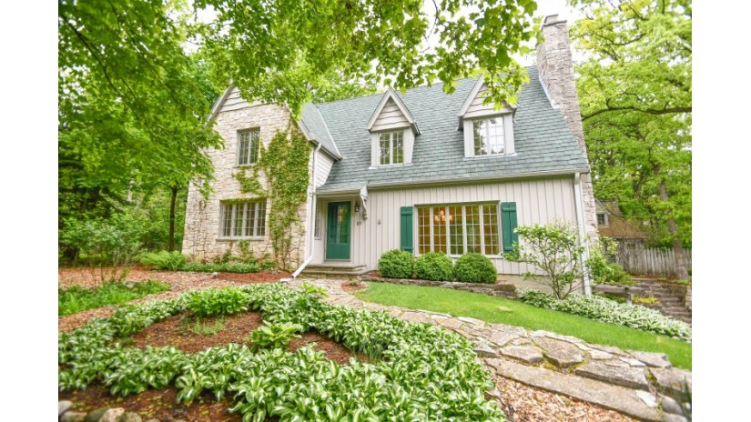 1236 Mill Rd Delafield, WI 53018-1316 by Shorewest Realtors $400,000