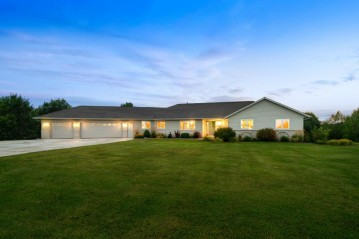 3118 Rolling Hills Dr, Newton, WI 54220