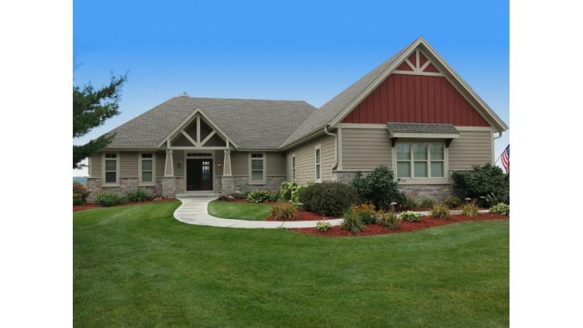 429 Pine View Ct N Richfield, WI 53017-9168 by List 4 Less MLS of WI $599,900