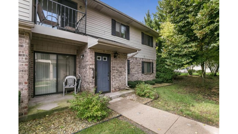 4008 81st St A Kenosha, WI 53142-4934 by RE/MAX Newport Elite $124,900