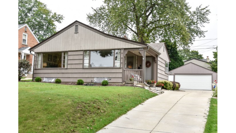 2536 N 82nd St Wauwatosa, WI 53213-1021 by Shorewest Realtors $199,000