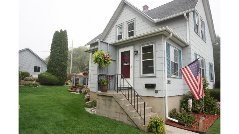 319 N Crowns St Port Washington, WI 53074 by Berkshire Hathaway HomeServices Metro Realty $179,900