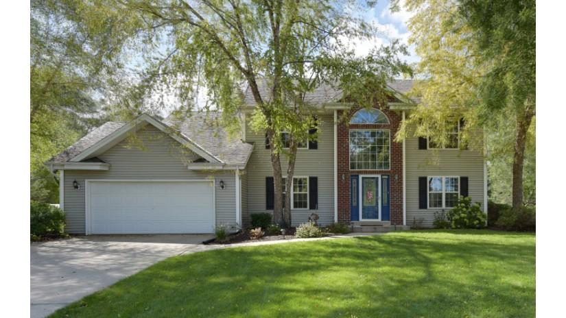 6419 N Sunny Point Rd Glendale, WI 53217-4074 by Shorewest Realtors $390,000