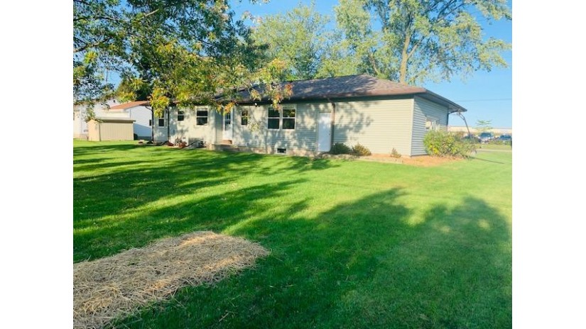153 S Foster St Saukville, WI 53080 by Exsell Real Estate Experts LLC $157,500