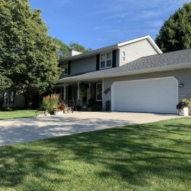 205 11th Ave, Union Grove, WI 53182-1262