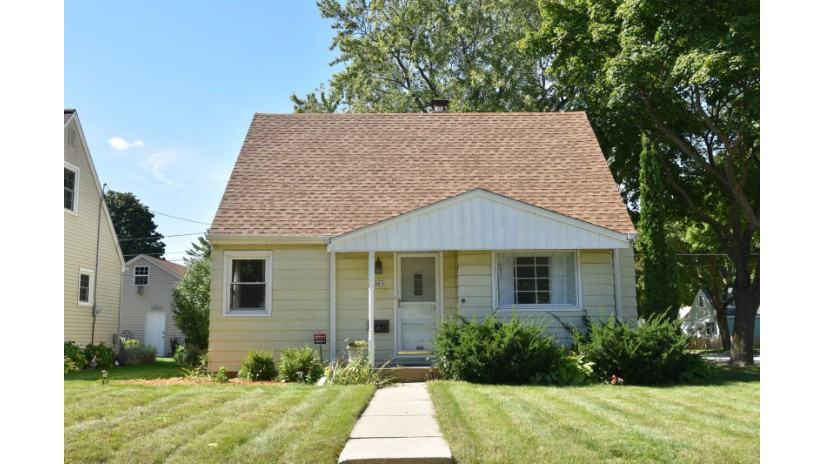 2601 S 70th St Milwaukee, WI 53219-2508 by Shorewest Realtors $145,000