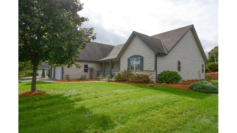 W267S8555 Rustic View Ln Vernon, WI 53149 by Realty Executives Southeast $429,900