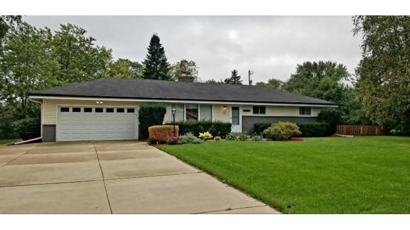 S63W13279 Windsor Rd Muskego, WI 53150 by Response Realtors $262,500