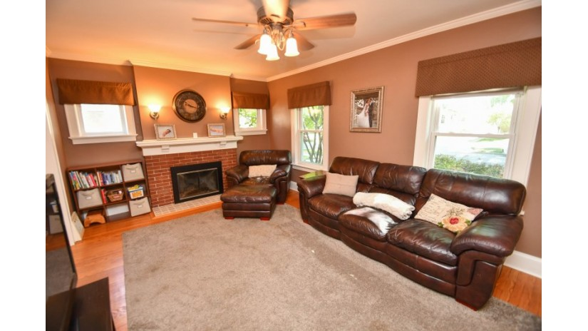 2363 N 85th St Wauwatosa, WI 53226-1909 by Shorewest Realtors $210,000