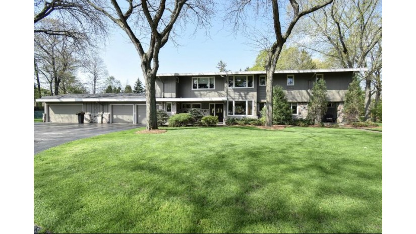 2201 W Kenboern Dr Glendale, WI 53209-1800 by First Weber Inc -NPW $500,000