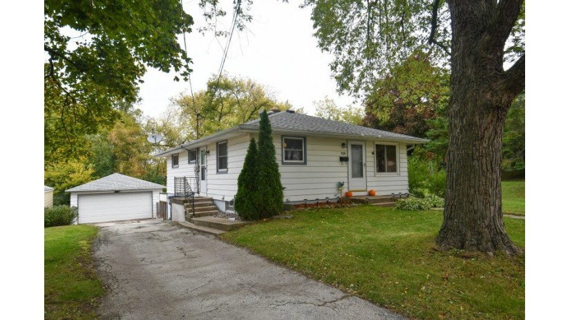 1128 Gertrude St Waukesha, WI 53186-2517 by Shorewest Realtors $205,000