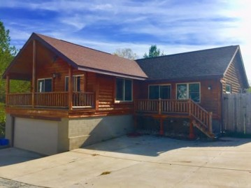 28907 Beach Dr, Waterford, WI 53185-2504