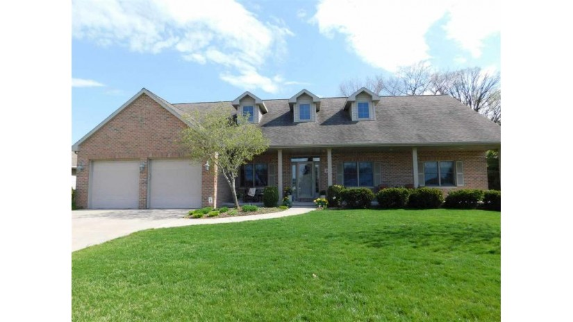 659 Winding Waters Way Ledgeview, WI 54115 by Shorewest Realtors $349,000