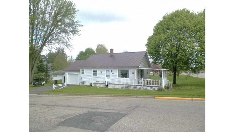 106 W 4th Street Manawa, WI 54949-9531 by Ann Filips Realty $65,000