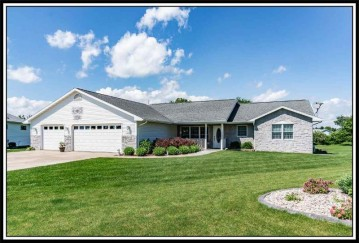 1505 North Star Court, New London, WI 54961-2452