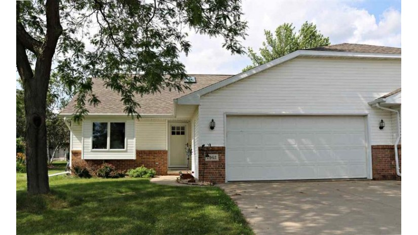 2942 BIG BEND Drive Grand Chute, WI 54914 by Brenda Fritsch Realty $147,500