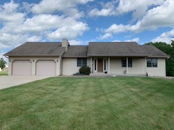 267 Willow Creek Road, Rosendale, WI 54974