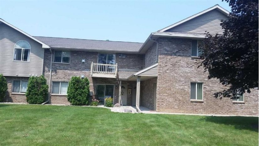 3319 CASALOMA Drive Grand Chute, WI 54913-0000 by Keller Williams Fox Cities $118,000