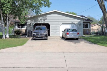 500 N Cambridge Drive, Appleton, WI 54912