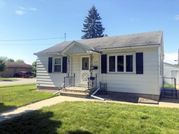 1618 CHICAGO Street, Green Bay, WI 54302