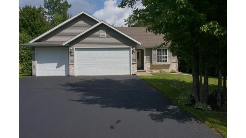 860 Wedgewood Drive Kronenwetter, WI 54455-1877 by Jason Gerhard & Associates Real Estate $203,000