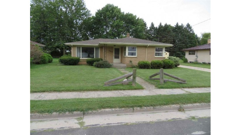 151 W Wisconsin Avenue Cedar Grove, WI 53013-1338 by Empower Real Estate, Inc. $149,900