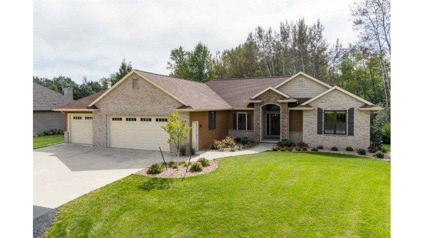 1370 TERRA COTTA Court Neenah, WI 54956 by Century 21 Ace Realty $379,900