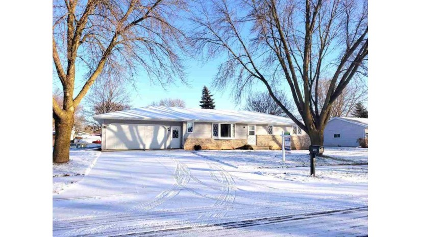 240 BENTWOOD Drive Brillion, WI 54110-1449 by Coldwell Banker Real Estate Group $169,900