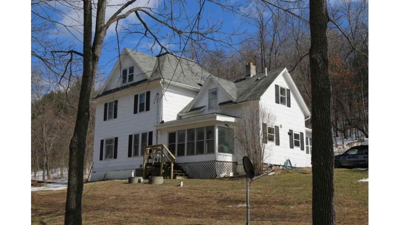 S9984 Little Bear Rd Bear Creek, WI 54922 by First Weber Inc $500,000