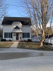 211 Mineral St, Mineral Point, WI 53565