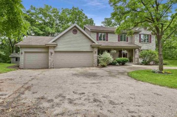 4232 Sprecher Rd, Blooming Grove, WI 53718