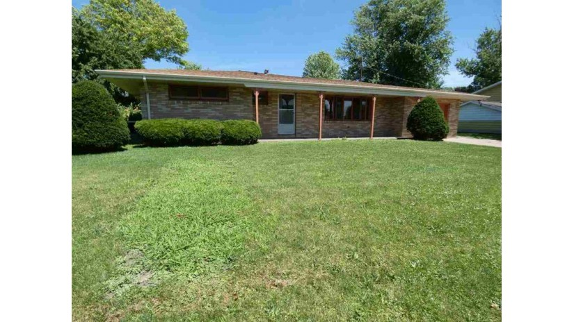 175 Droessler Dr Dickeyville, WI 53808 by Lori Droessler Real Estate, Inc. $119,900