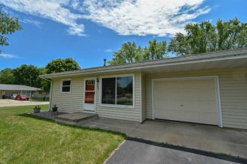 501 Roby Rd, Stoughton, WI 53589